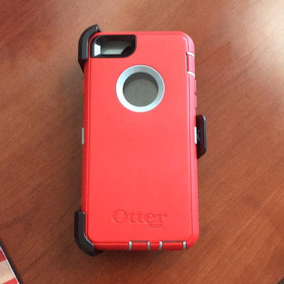 on sale 0819f 53788 Otterbox case and holster iPhone 6 - Brand New!